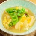 スナックエンドウと豆腐の卵とじ醤油添え