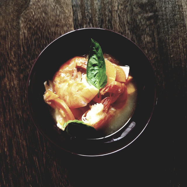 エビとベーコンの生姜たっぷりスープ