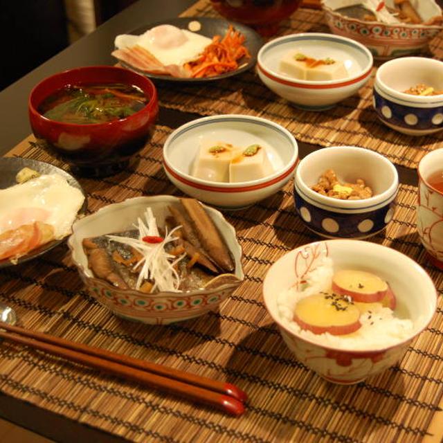 煮魚定食〜人参のおかか炒め・ベーコンエッグ・納豆・三つ葉とえのきのお味噌汁〜