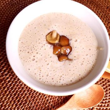 ほっこり朝ごはんベジレシピ♪なめこたっぷりの味噌豆腐ポタージュ