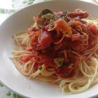 ピリ辛、あさりとトマトのパスタ