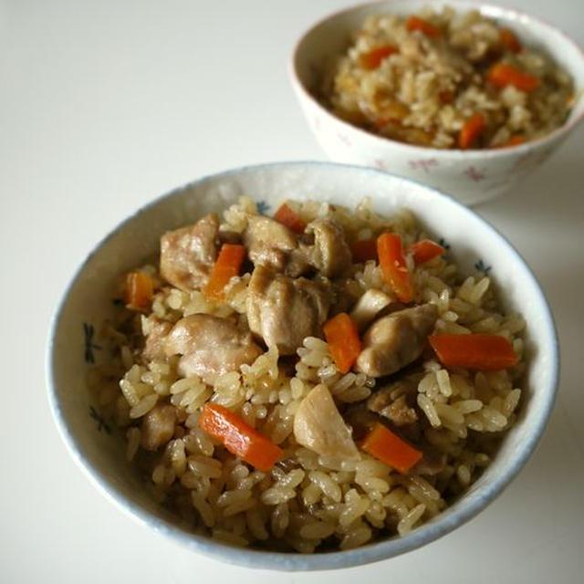 【動画レシピ】鶏肉の炊き込みご飯♪