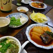 夕食は和韓折衷の居酒屋メニュー
