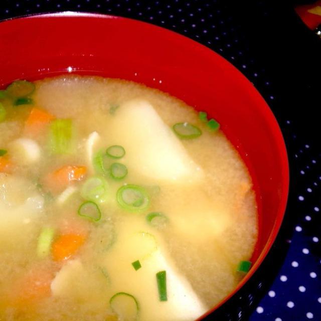 【レシピ】 鱈とじゃが芋のお味噌汁(^^♪