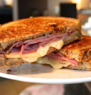 ハムチーズサンド Ham and Cheese Sandwich