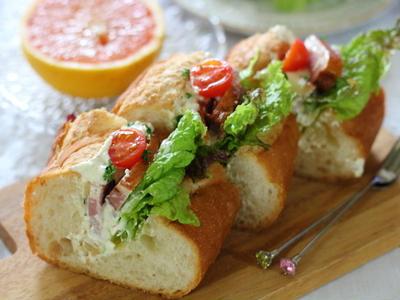 >チーズ&ナッツドレッシングで贅沢サンドウィッチ by 小春さん