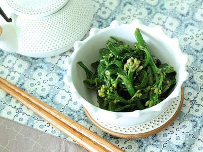 >菜の花(青菜)で作る簡単、黒ゴマ・ピーナッツ和え。 by ぱにみぬぅさん