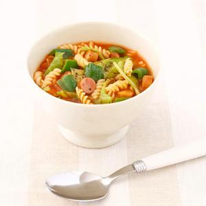 キャベツとソーセージのトマトスープパスタ