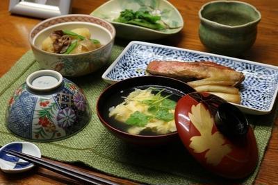 レシピ付き献立 金目鯛の煮付け・新じゃがの肉じゃが・鶏のささみときゅうりの酢の物・菜の花の辛し和え・かきたま汁