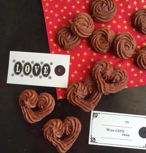 願いが届く♡ハートとバラの絞り出しショコラクッキー