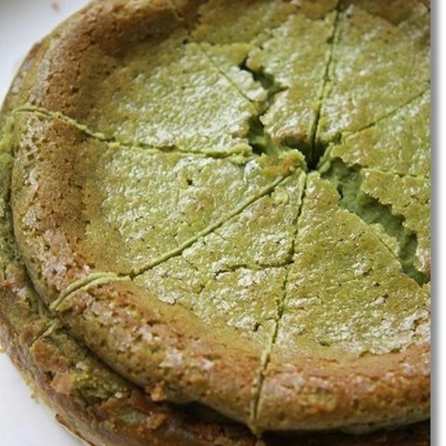 原料屋さんの大麦若葉で、米粉のベイクドチーズケーキ