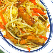 あるもので簡単節約&食欲増進!キャベツとさつま揚げのカレー炒め。