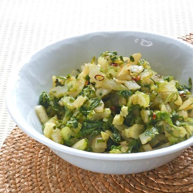 夏の食欲増進作り置きおかずおつまみは香味野菜でピリ辛!セロリのエスニックきんぴら。