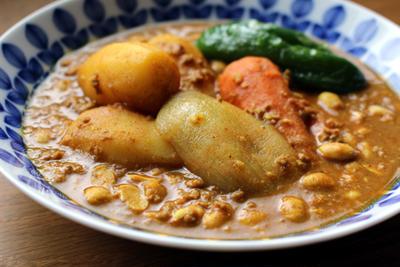 ごろごろ野菜と納豆のひき肉カレー