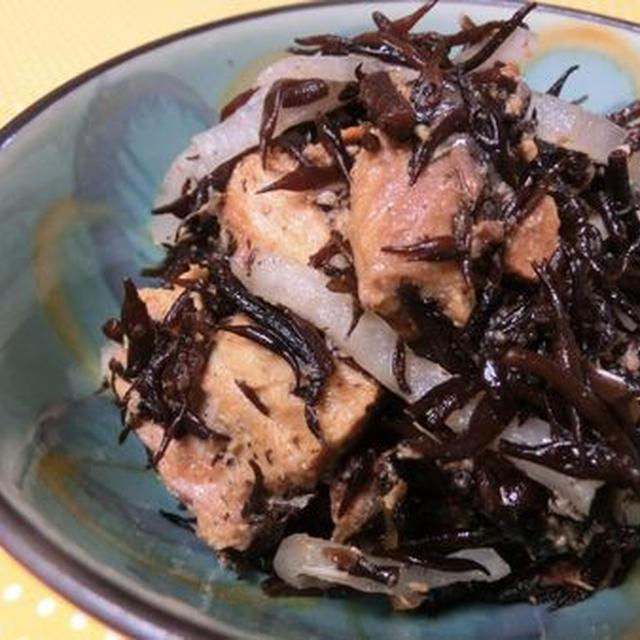 混ぜるだけでボリューム副菜♪ さばの味噌煮とひじき大根サラダ