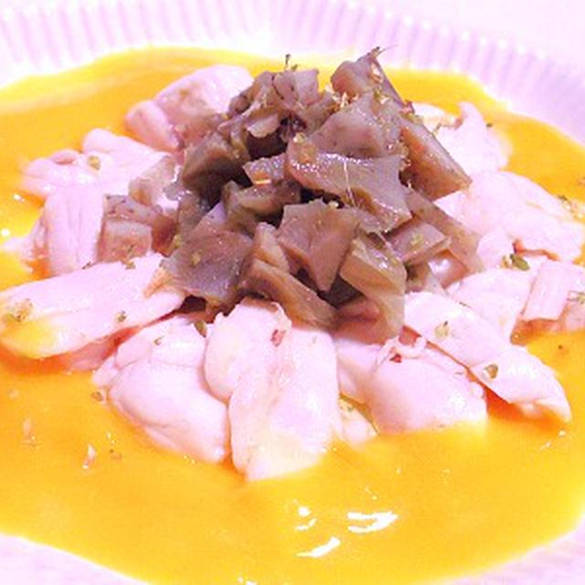 マンボウとアーティチョークのマンゴーソース、穴子の燻製、ポーチドエッグ添え、枝豆冷製ラヴィオリ