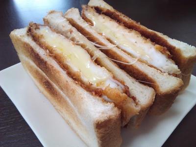 ボリューム満点☆チーズとろとろはんぺんカツサンド