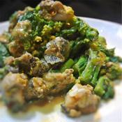 ツブ貝と菜の花の味噌和え、トムヤム風味