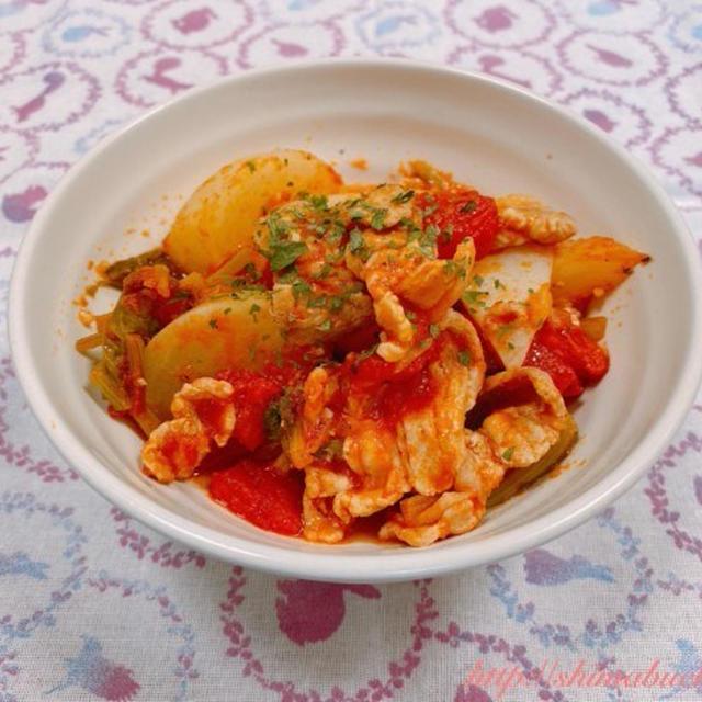 【スパイスアンバサダー】香りソルト「ガーリック&オニオン」を使って、蕪と豚バラ肉のガーリックトマト煮