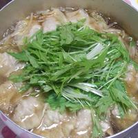 ピリ辛ごま餃子鍋