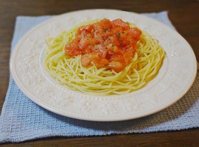 ひんやり冷製トマトソースのパスタ