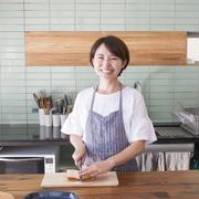 キッチンのインテリア、ちぐはぐにせず統一感を出すコツって?~柚木さとみさんの「世界一楽しいわたしの台所」