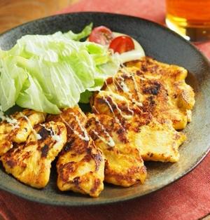 鶏むね肉のヨーグルトカレー焼き