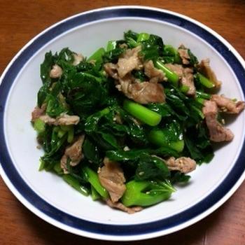 明日葉と豚バラ肉のガーリック醤油炒め