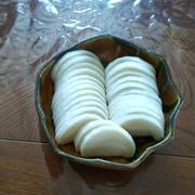 自宅で漬ける安心な「大根の甘酢漬物」