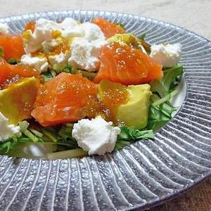 どんな食材とも好相性♪サラダで楽しむ「アボカド」レシピ5選