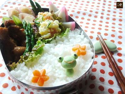 手羽元のサッパリ煮*カエルくんのお弁当