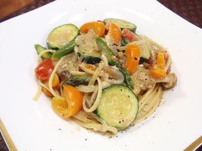 季節野菜のバーニャカウダ風アンチョビパスタ(レシピ付)