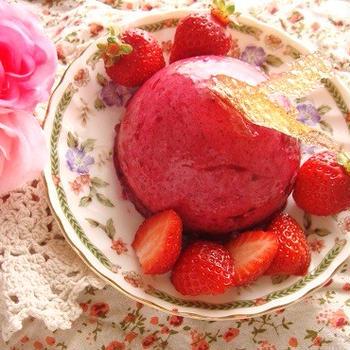 カシスのムースケーキ☆バロン