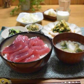 【レシピ】蒸し鶏ときゅうりのラー油香味ダレ#冷やして美味しい#作り置き#蒸し鶏 …贅沢丼!