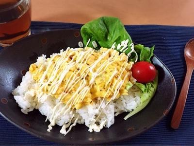 お昼ご飯に明太子入りスクランブルエッグ丼とオリーブオイルのお話
