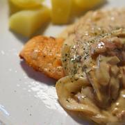 鮭のソテー♬濃厚焼き肉のタレクリームソース♬