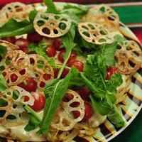 じゃがいもガレットのピザ~山盛りプチトマトソース~