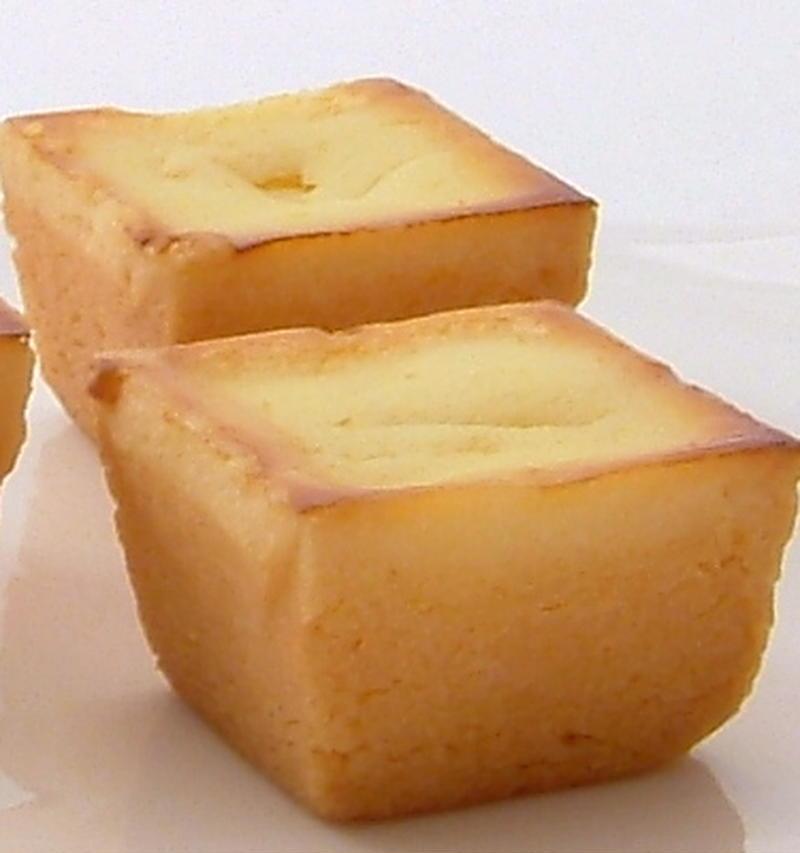 年間50万個以上売れるロングセラー商品!小さめのこのサイズでも満足できる、熟成・濃厚なチーズケーキは...