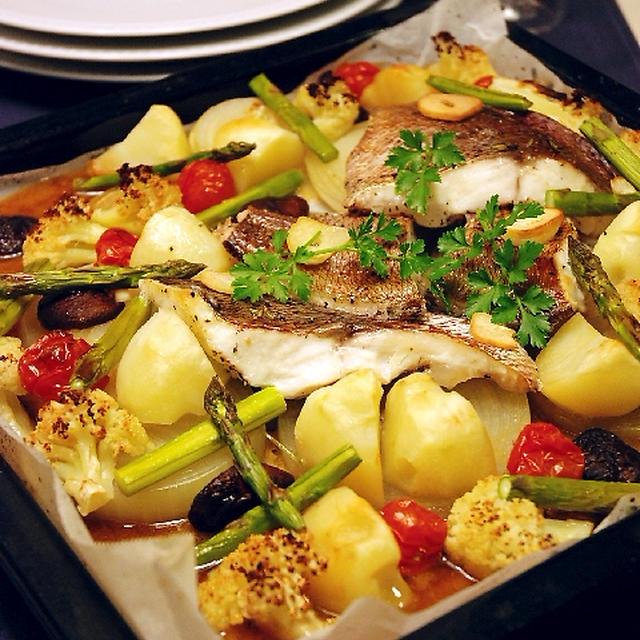 天板ごと豪快に☆鯛と春野菜のオーブン焼き