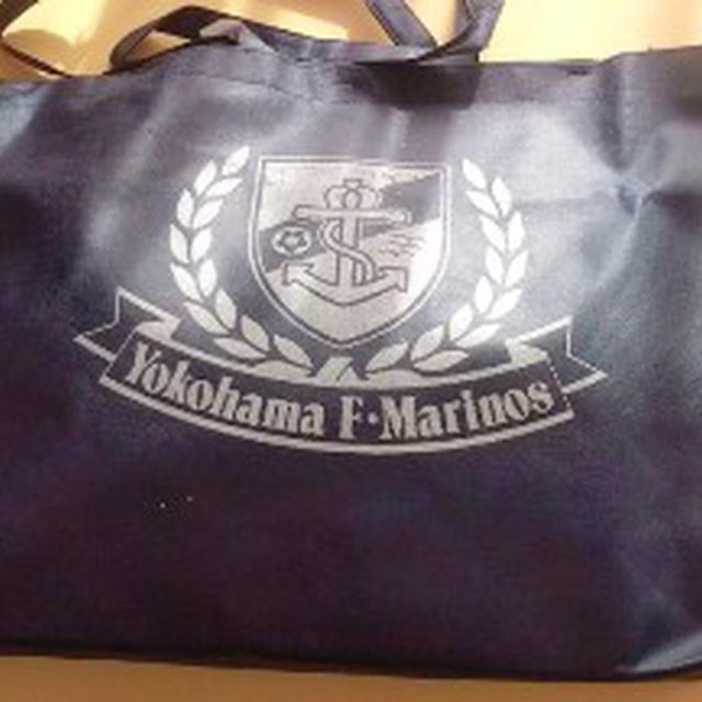 2010マリノス福袋買いました・・・キッズサイズで大人の中身を作ってはくれないか^^;