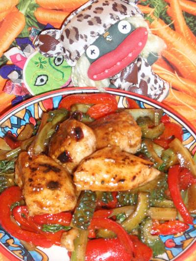 ゴーヤと鶏肉の青椒肉絲風 &キャベツと海藻のレモンサラダ(お家カフェ)