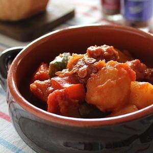ワインにもぴったり♪たこを使った柔らかトマト煮込みレシピ