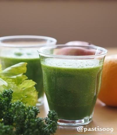 朝の一杯♪グリーンジュース(グリーンスムージー)