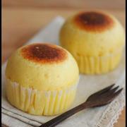 ホットケーキミックスで簡単!こんがり焼き色つきチーズ蒸しパン
