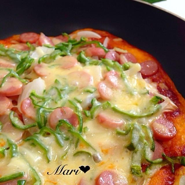 みんな大好き♡簡単美味!フライパンでかりっとふっくらお店ピザ