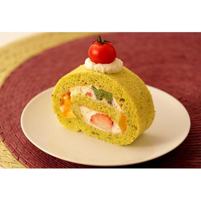 野菜スイーツ ほうれん草のヨーグルトロールケーキ