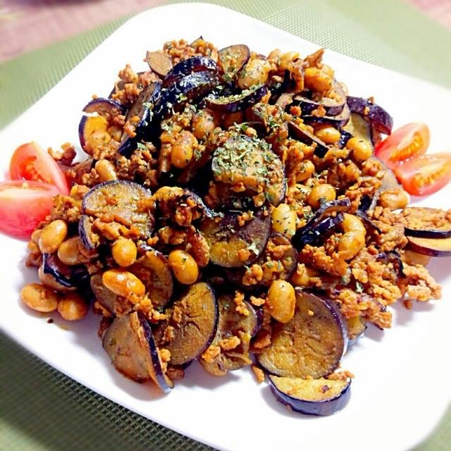 大豆でかさ増し☆茄子とひき肉のカレー炒め
