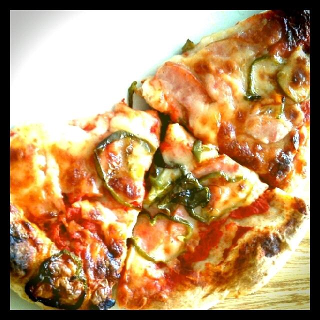 酵母パン生地でつくるピザ!