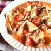 柔らか鶏むね肉とトマトのガーリックチーズ炒め