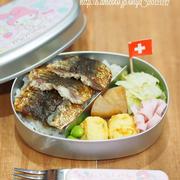 早い安いうまい!子供が喜ぶ!いわしの蒲焼丼弁当!と高野豆腐と冷凍大根の煮物